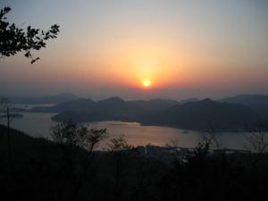 大平山からの朝日
